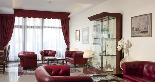 Would you like to visit Venice and stay in a hotel full of services? Book at the Best Western Titian Inn Hotel Venice Airport